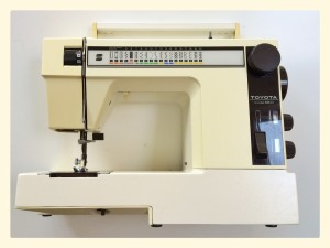 Toyota 8800 sewing machine
